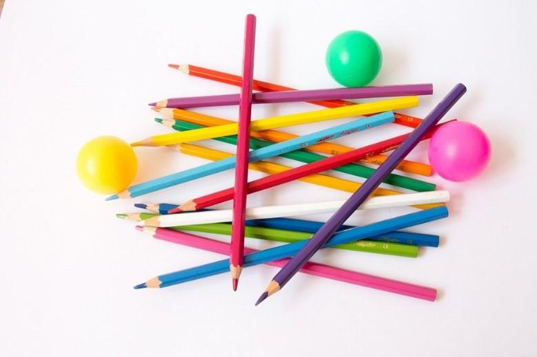 https://pixabay.com/it/palle-di-colore-palla-creativo-616052/