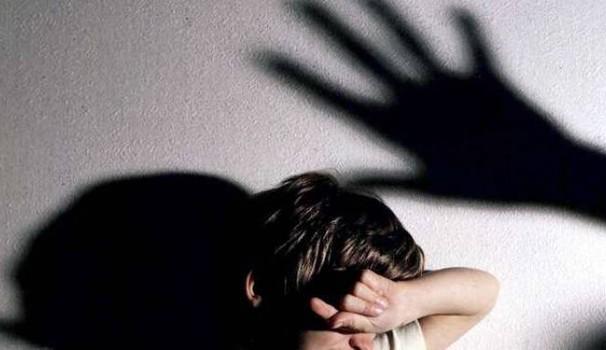Fonte: http://www.ilrestodelcarlino.it/ascoli/cronaca/bambino-picchiato-violenza-minori-1.1977040